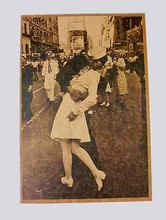 Retro Nostalgic Vintage Poster Print Kissing On VJ Day - Nurse Kissing Sailor Art Wall Pictures For Living Room cartaz do filme(China)