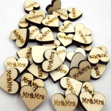50PCS/lot letter Mr & Mrs printed love Heart Shaped Wooden Charms buckle wooden props ornaments wedding decoration for gift
