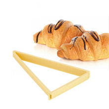 2016 DIY Croissant Maker Mold Cake Biscuits Cutter Tools for Kitchen Baking Decorations and Home Furnishing Products