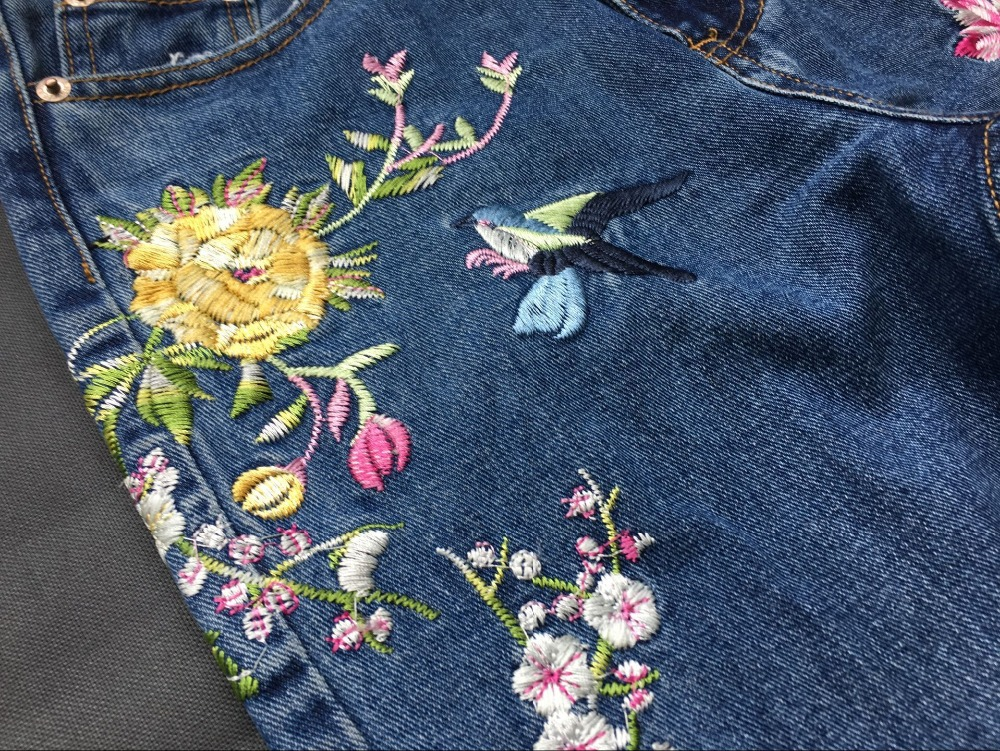 2017 Europe and the United States women's three-dimensional 3D heavy craft bird flowers before and after embroidery high waist Slim straight jeans large code system 46 yards (17)
