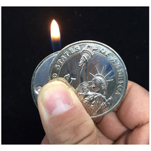 Fashion Creative Mini Coin Shaped Butane Flame Lighter Metal Torch Lighter Novelty Gadget Gift Key Accessories Pendant NO GAS