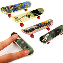 10pcs/set Children Fingerboard Toy Truck Mini Finger Skateboard Boy Kids Children Gift Colors Send Randomly #E(China)
