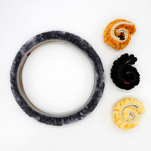 Good Quality Newest  Winter Steering Wheel Cover Artificial Wool Heated Short Plush Steering Wheel Cover Fur Size 36-38 CM