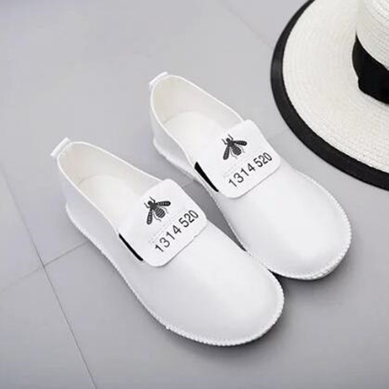 White Flats For Women 2017 Fashion Low Top Slip-on Casual Shoes Female Classical Outdoor Sport Flat Shoes Scarpe Donna XK070810<br><br>Aliexpress