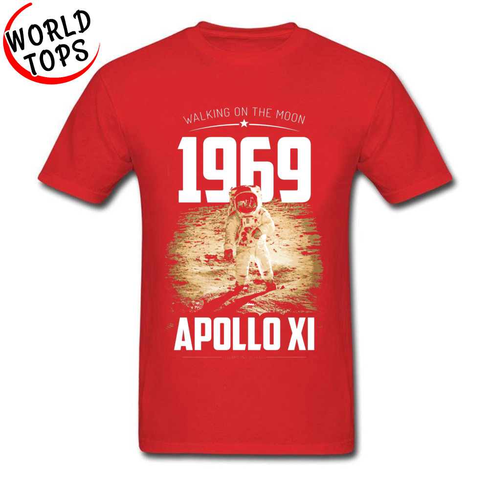 Men T-shirts Europe Funny Tops Shirts 100% Cotton Fabric O Neck Short Sleeve Summer Tee-Shirts Fall Drop Shipping Apollo 11 1969 Moon Walk Astronaut 50 Year Ann red