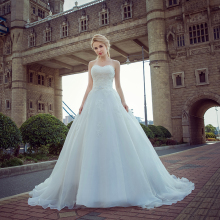 Dress elegant long wedding dress strapless chapel train Lace up bridal gowns outdoor church ball gown wedding dresses(China)