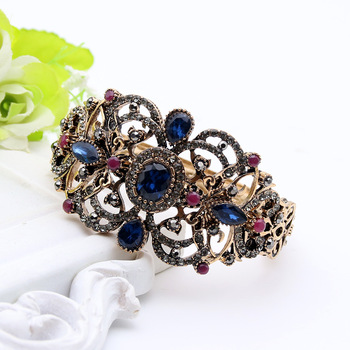 Delicate Resin Flower Vintage Bracelets Cuff Women Antique Gold Color Jewelry Hollow Roll Grass Pattern Bangles Ethnic Bijoux