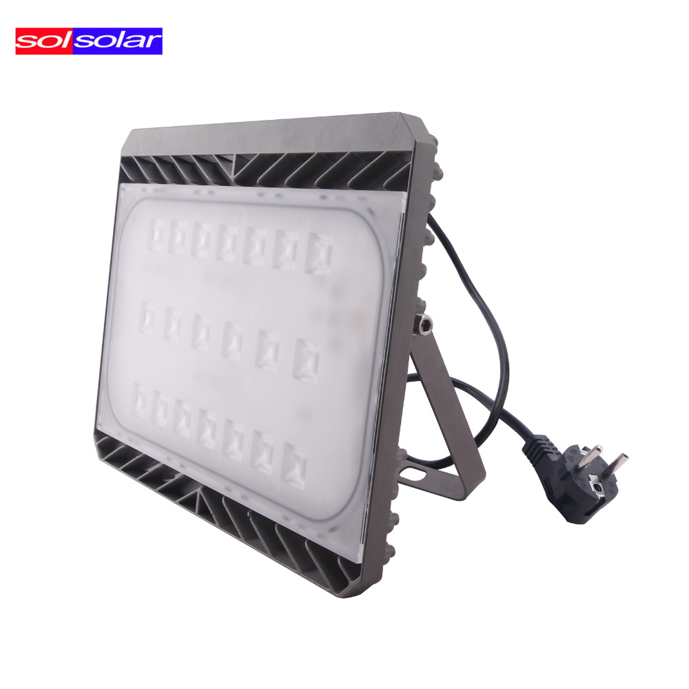 Cree Led Flood Light 30W 50W 70W 100W AC 110V/220V Waterproof IP65 Floodlight Spotlight Outdoor Lighting LED Reflector Lamp(China (Mainland))