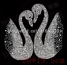 20Pcs/Lot Swan pattern hotfix rhinestones transfers iron on motif for clothes diy accessories strass crystal roll Wholesale