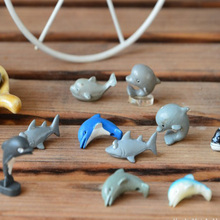 Mini Marine life scripture Funny Cute Shark/dolphin/whale fish ornaments toys,10pcs/2cm PVC  Anime Action Figures Toys Collectib