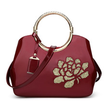 2017 spring new design solid burgundy women wristlets small patent leather rose women handbags fashion floral ladies handbag bag