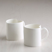 2pcs/lot 300ML fine bone china lover thermal cup novelty coffee/Tea cups heart shaped white porcelain cup(China)