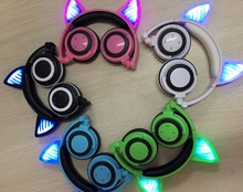 Cat Ear 3.5mm Bluetooth Glowing Headphones Haedset With Mic Bluetooth Earphone Wireless Headphones Noise Cancelling Nice Gift
