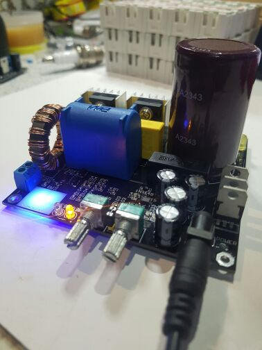 The Young Mans First TC: Integrated Half Bridge SSTC Driver Board Directly Inputs the AC Without Music<br>