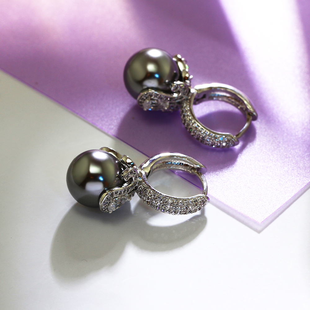 grey pearl earrings (1)