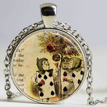 Free shipping Alice In Wonderland Necklace Painting the Roses Red Once Upon a Time Fairy Tale Art Pendant Necklace