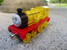 TT03-- Learning Curve Thomas & Friends Take N Play Metal Diecast Toy Train Molly New Loose