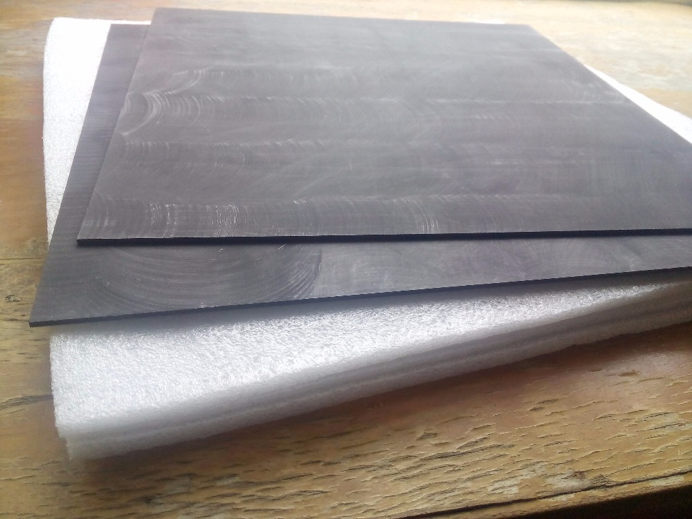 Low porosity graphite bipolar plate for  redox flow battery<br>