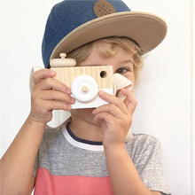 Baby Kids Cute Wooden Toy Camera Creative Neck Hanging Camera Photography Prop Decoration Children Playing House Decor Toy Gift