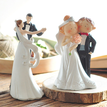 Dancing Birde and Groom Cake Topper Figurines Cute Fat Couple Wedding Cake Topper Gifts Favors for Wedding Decoration Supplies