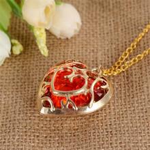2017 Sunhsine The Legend of Zelda blue Red Heart Container Necklace Hollow Out 4cm Pendant Necklace Lovers Quality Free Shipping