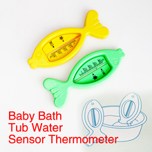Baby Care Bath and Shower Water Thermometer Lovely Plastic Floating Fish Toy Baby Bath Tub Water Sensor Thermometer Random Color(China)