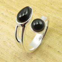 Authentic Black Onyx UNUSUAL Ring Size US 6.5 ! Silver Plated Jewelry BRAND NEW