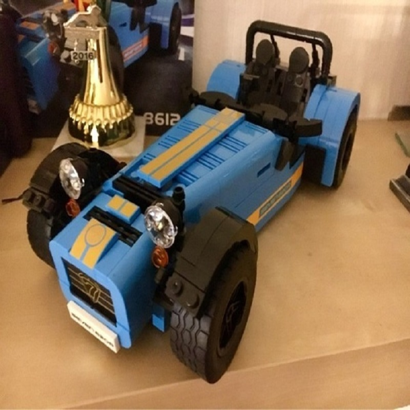 Office Decor DECOOL Race Car Toy Sports Car Caterham Seven 620R Building Bricks