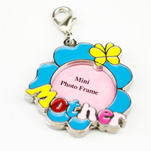 Cute Paw LOVE shape Rhinestone Pet dog Identity Card mini photo frame tags Hanging picture holder kittem puppy cat collar tags