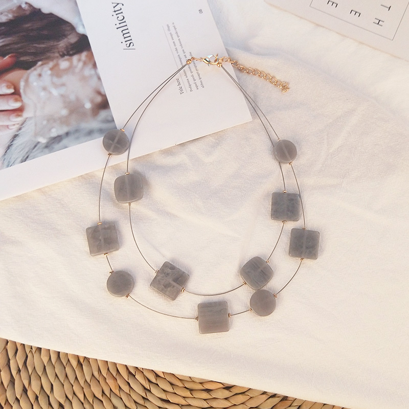 Classic Fashion Acrylic Necklaces for Women With Colorful Resin Geometric Pendants Metal Long Chains Necklaces Party New Jewelry (4)