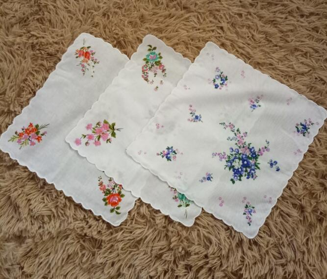 ASSORTED LADIES BLUE PINK LILAC /& WHITE EMBROIDERED COTTON LUXURY HANKER CHIEFS