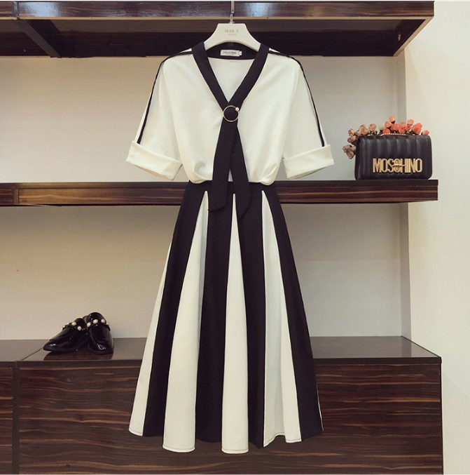 2019 New Fashion Summer Women's Two-piece Skirt Suits Elegant V-neck Ribbon Chiffon Shirt + High Waist Stripe Long Skirt Twinset