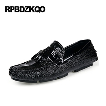 Crocodile Men Latest Footwear Fashion Shoes Summer White Alligator Moccasins Tassel Casual Slip On Cheap Orange Black Loafers