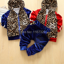 2014 Korean version of the new children's clothing for boys and girls fashion leopard velvet hooded sports suit