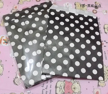 50pcs Black with white Polka Dot Treat Craft Bag Favor Food Paper Bags Halloween Holidays Wedding Birthday Party Decoration bags(China)