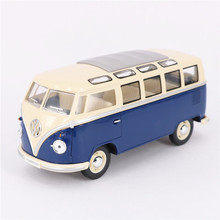 Kingsmart 1:24 Diecast Metal 1962 Volkswagen Cars Model, 17 cm Simulation Pull Back Car Bus Toy / Brinquedos, Toys For Children