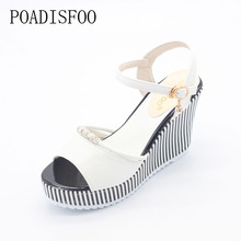 POADISFOO Summer Korean muffin fish head women sandals with platform sandals wild simple shoes shook with students .HYKL-922