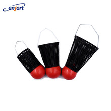 Enjort 1 pcs Fishing Tackle Supplies Fishing Tackle Clip Meters Traditional Device Badminton Shape Bait Thrower Mini Plastic