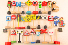 Baby toy thomas accesseries small train toy,   traffic sign set  wood toy