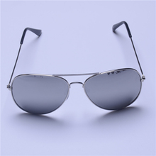 Men and women general sunglasses, classic fashion, retro. Material benefits. Free postage(China)