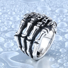 Alibaba Wholesale Stainless Steel High Quality Skull Hand Ring For Man Punk Man's Cool Ring For Boy Best Gift BR8-328
