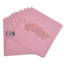3.5*3.5inch Laser Cut Pink Butterfly 120 pcs Souvenirs Name Place Paper Card for Glass Cup Table Party Wedding Favors Decoration