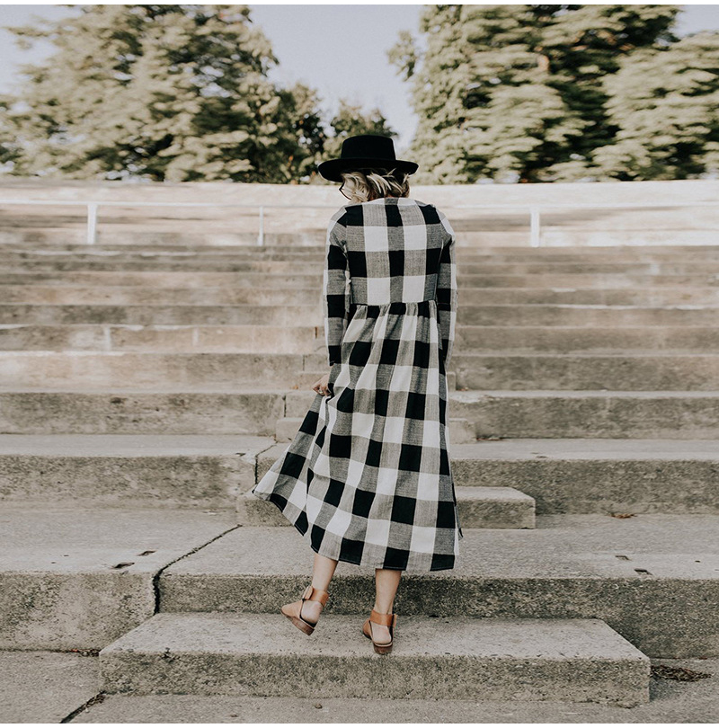 LOSSKY Fashion O-neck Long Sleeve Black White Plaid Maxi Dress Women 2018 Autumn Winter Vintage Casual Linen Long Ladies Dresses 3