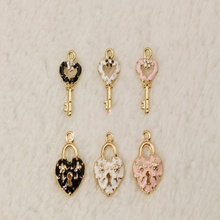 Hot Sale 40pcs/lot rhinestone Button Flatback gold plating Wedding Button DIY hair cellphone decoration Accessories YL26(China)