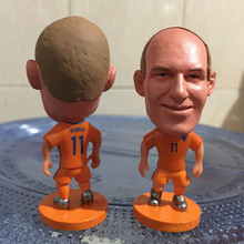 Soccerwe 2017 Season 2.55 Inches Height Football Player Dolls Netherlands Number 11 Robben Figure Orange for Hot Sales