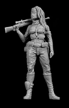 Free Shipping 1/35 Scale Unpainted Resin Figure Female Sniper