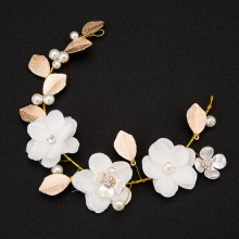 Handmade Hair Accessoires Jewelry Gold Color Leaf Headpieces White Flower Headdress Pearl Wedding Hair Pieces Bridal Hair Vine