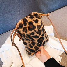 2018 winter drawstring bucket bag fashion designer handbag leopard faux fur  shoulder bag little cute mini