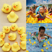 1Pcs Rubber Duck Baby Squeaky Pool Float For Children Latex Yellow Duck Squeeze-sounding Dabbling Water Bath Bathtub Toy