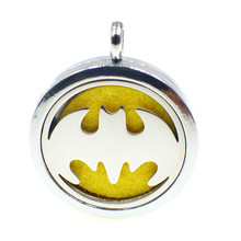 New hot bat man Magnetic stainless steel Perfume essential oil aromatherapy diffuser locket floating locket Pads freely XX144